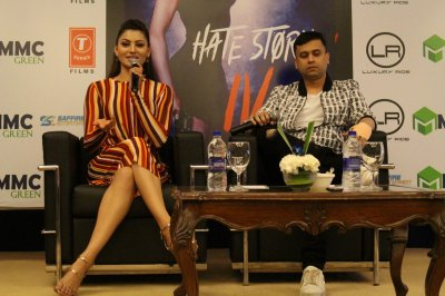Urvashi Rautela  director Vishal Pandya witnessed in Delhi
