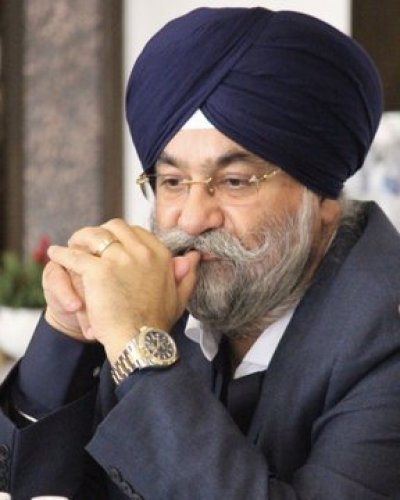 Raju Chadha invites Punjab Forum to discuss Guru Nanak Dev Jis 550th celebrations
