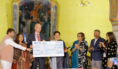 Dr. Rakhshanda Jalil conferred with the 5th Vani Foundation Distinguished Translator Award at Jaipur BookMark